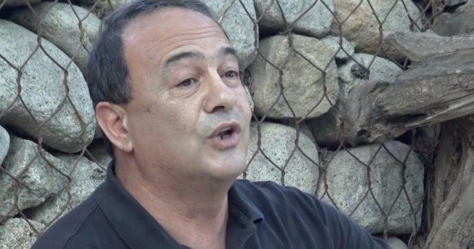 Mimmo Lucano torna a Riace, il tribunale revoca il divieto di dimora per l'ex sindaco