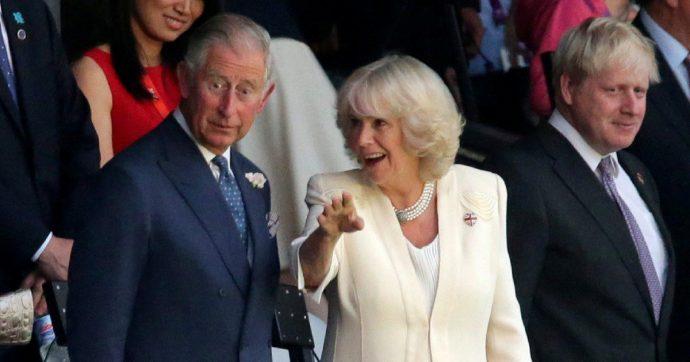 """Camilla Parker, paura per la moglie del principe Carlo: """"Ha una grave infezione respiratoria, cancellati tutti i suoi impegni"""""""