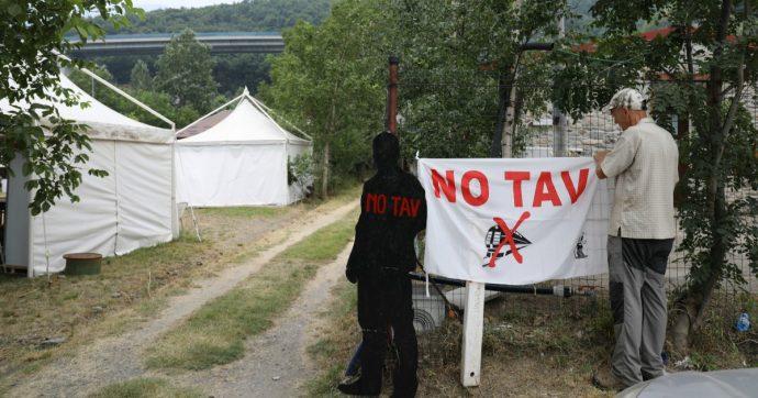 """No Tav, sabato il corteo verso Chiomonte dopo il sì del governo: """"Arriveremo fino al cantiere"""". Rischio infiltrati, schierati 500 poliziotti"""