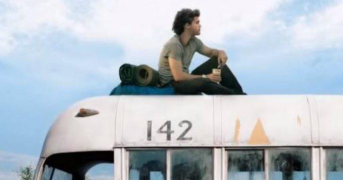 """Giovane sposa vuole raggiungere l'autobus di """"Into the wild"""": muore travolta dalla corrente di un fiume"""