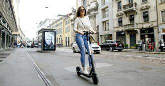 Milano sospende la circolazione dei monopattini elettrici: via entro tre giorni quelli in sharing, serve nuova segnaletica