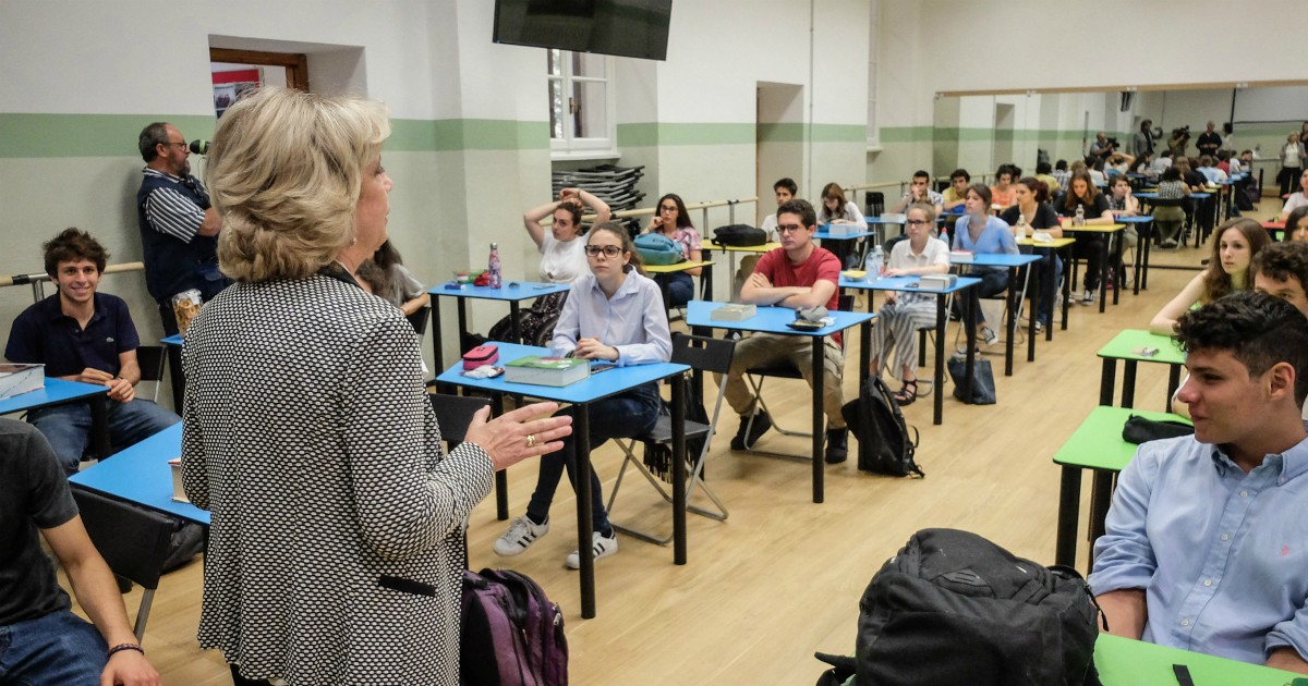 L'educazione civica torna tra i banchi. Ma i docenti sono formati?