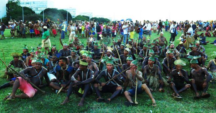 Brasile, ora gli indios sono in serio pericolo. E la distruzione dell'Amazzonia sembra inarrestabile