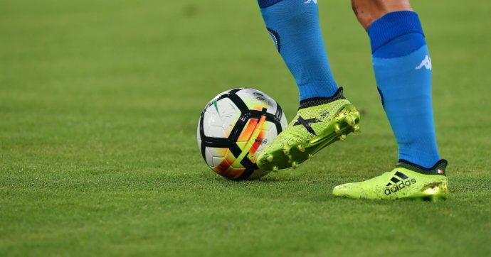 """Calcio, """"per i professionisti rischio triplicato di sviluppare malattie neurodegenerative"""". Lo studio dell'Università di Glasgow"""