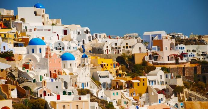 Gli italiani cercano casa in Grecia.