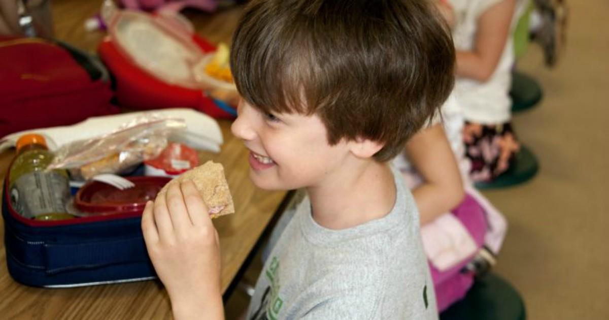 No al panino da casa, il principio è giusto. Ma la Cassazione ha mai visto le mense scolastiche?