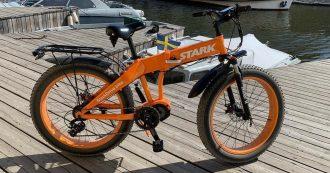La bicicletta tecnologica si sblocca con l'impronta digitale e ricarica lo smartphone mentre si pedala