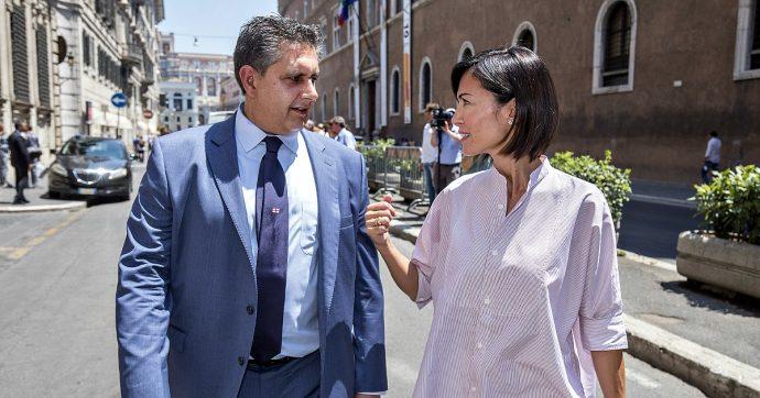 """Forza Italia implode, Toti lascia: """"Ognuno per conto suo, buona fortuna"""". Carfagna: """"Non farò parte del comitato di liquidazione"""""""