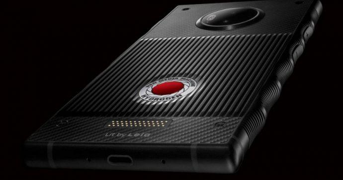Hydrogen Two, lo smartphone con display olografico prodotto da RED