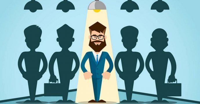 Aggiornare il curriculum online per cercare lavoro, ma la metà degli italiani non lo fa