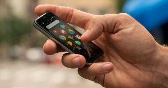 Volete uno smartphone in miniatura? Palm ha uno schermo da 3,3 pollici e costa 349 euro