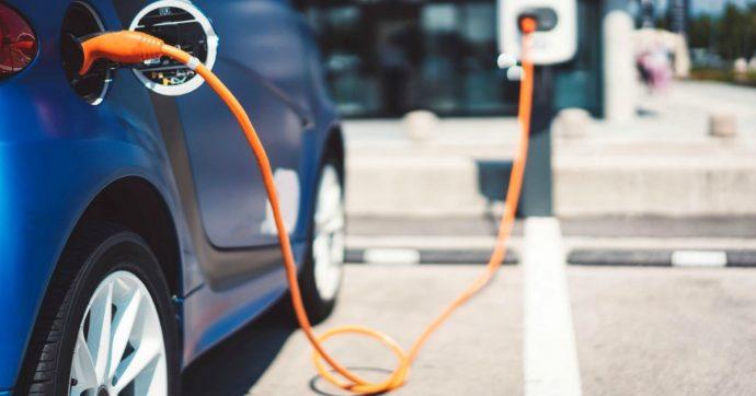 Auto elettriche, crescono tanto in Europa e nel mondo. Ma non sono ancora per tutti