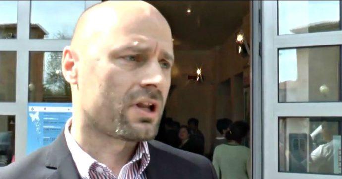 Bibbiano, torna libero il sindaco Pd Carletti: la Cassazione revoca l'obbligo di dimora