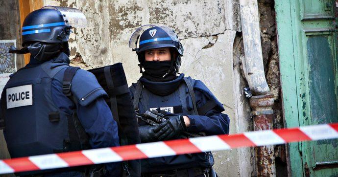 Nantes, tensioni e 30 arresti durante corteo contro presunte violenze della polizia dopo la morte sospetta di un 24enne