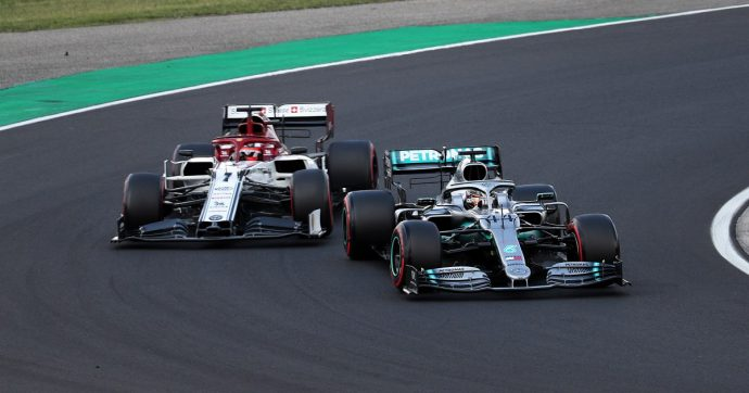 F1, Gp di Ungheria: grande vittoria di Hamilton in rimonta su Verstappen. Terzo Vettel, poi Leclerc