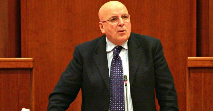 Calabria, Gdf sequestra beni al presidente della Regione Mario Oliverio: indagato per peculato