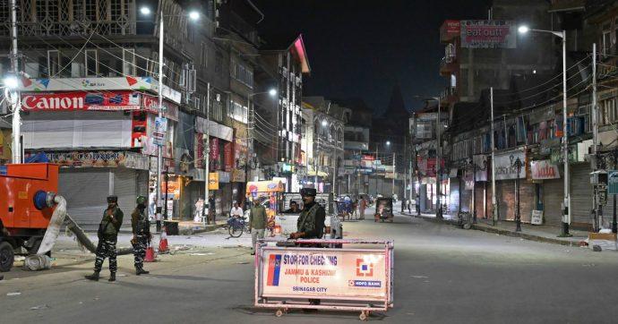 """India, il governo revoca lo statuto speciale del Kashmir. Il presidente della parte pachistana: """"Decisione potrebbe portare alla guerra"""""""