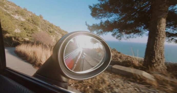 Vacanze on the road, ecco come proteggere la propria auto da sole e mare