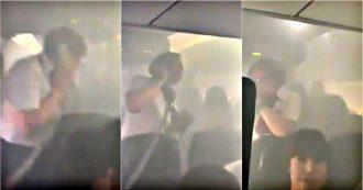 Fumo a bordo, aereo della British Airways costretto a fare un atterraggio d'emergenza a Valencia. I video girati dai passeggeri