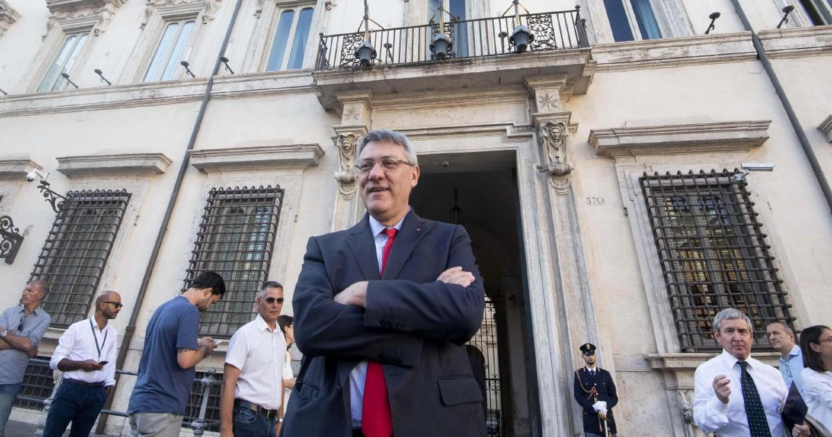 Conte dialoga con i sindacati, Di Maio apre su salario minimo