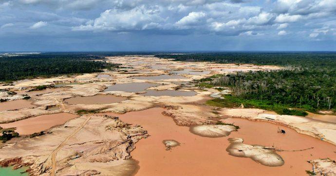 Amazzonia, gli incendi ci avvertono che siamo di fronte a un disastro. E ci mettono spalle al muro