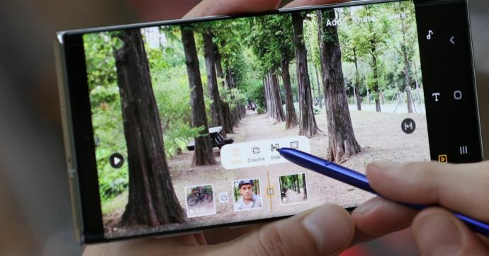 Galaxy Note 10 è il nuovo smartphone Samsung che si trasforma in un taccuino, c'è anche la versione 5G