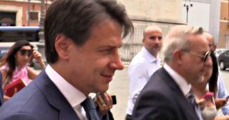 Governo, Conte rientra a piedi dopo colloquio con Mattarella ma non risponde ai cronisti
