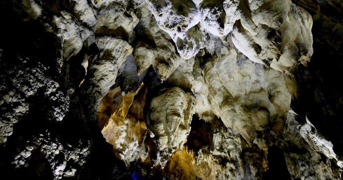 Cuneo, speleologo francese intrappolato a 300 metri di profondità in una grotta del Marguareis. Sul posto il soccorso alpino