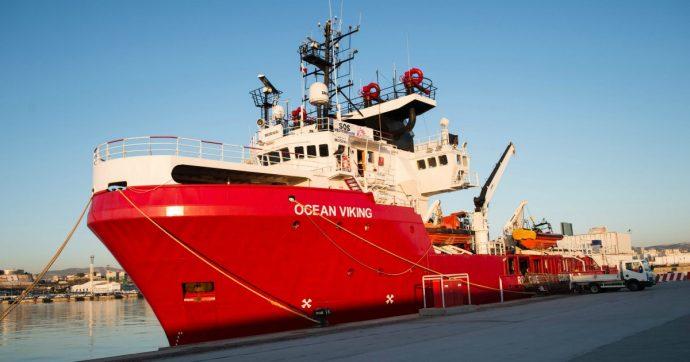 Migranti, la Guardia costiera italiana salva 90 persone: in serata Malta consente il trasbordo. E intanto la Ocean Viking ne soccorre altri 109