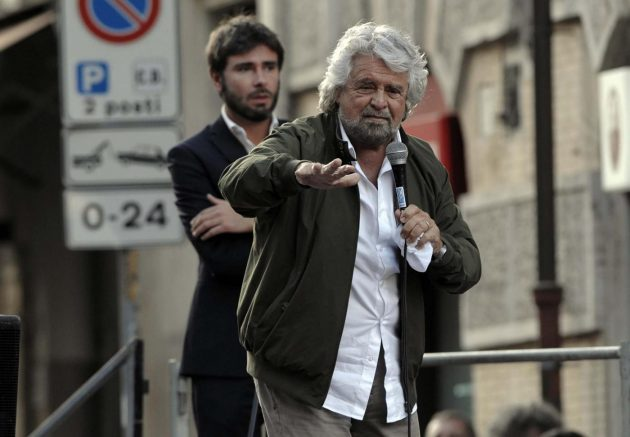 Foto Fabio Cimaglia / LaPresse<br /> 25-10-2017 Roma<br /> Politica<br /> Pantheon. Manifestazione del M5S contro il Rosatellum<br /> Nella foto Beppe Grillo<br /> Photo Fabio Cimaglia / LaPresse<br /> 25-10-2017 Roma (Italy)<br /> Politic<br /> Pantheon. M5S's demonstration against the Electoral Law<br /> In the pic Beppe Grillo