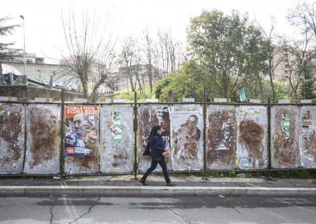 Foto LaPresse - Andrea Panegrossi<br /> 13/03/2018- Roma, Italia<br /> Pannelli per i manifesti elettorali.<br /> Via Giovanni X<br /> Photo LaPresse - Andrea Panegrossi<br /> 13/03/2018- Rome, Italy