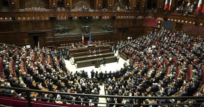 Taglio parlamentari, ora i politici provano a salvarsi le poltrone: raggiunto il quorum per il referendum costituzionale