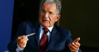 """Coronavirus, Prodi: """"Ue può far stampare moneta. Rispondere velocemente o caduta sarà così forte che non si potrà contrastare"""""""