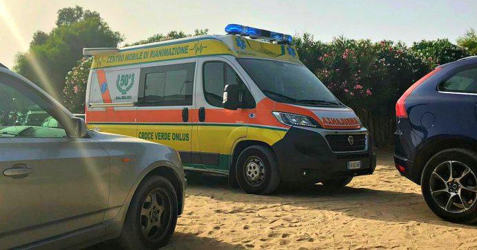 Ragusa, 59enne muore dopo l'annegamento in mare: l'ambulanza non riesce a raggiungerlo per colpa di un'auto in sosta vietata