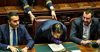 """Crisi, la Lega deposita la mozione sfiducia a Conte. Salvini: """"Toni simili tra Di Maio e Pd"""". M5s: """"Falso. Inventane un'altra, giullare"""""""