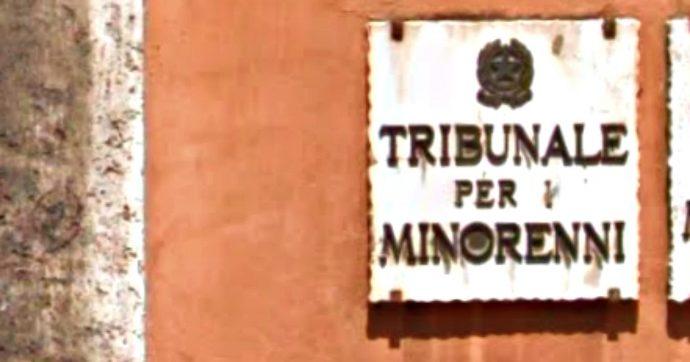 Adozioni, il tribunale dei Minori riconosce un 44enne single come padre di due bambini