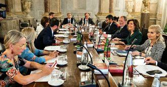 """Crisi di governo, non c'è accordo: voterà il Senato il calendario. Salvini: """"Pronti al ritiro dei ministri. Confido in Mattarella"""""""