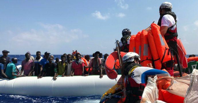 Migranti, la Ocean Viking salva altre 105 persone. La Open Arms ancora in mare: in totale in 507 in attesa di un porto