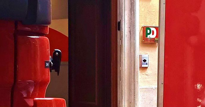 Roma, pacchi sospetti trovati a Palazzo Chigi e nella sede Pd del Nazareno. Uno conteneva liquido vinilico, il secondo eroina