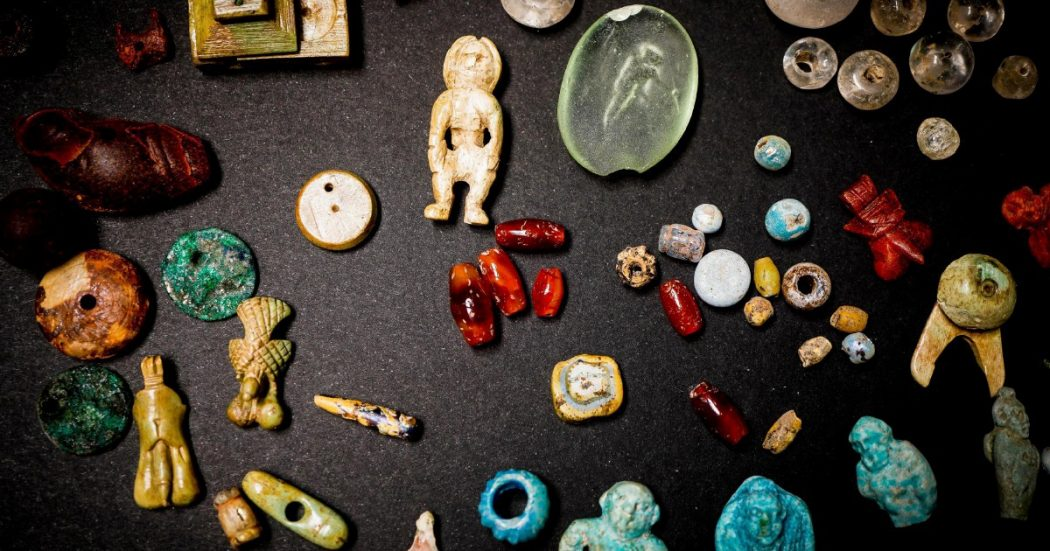 """Ritrovato a Pompei il """"tesoro della fattucchiera"""""""