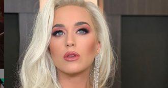 """Katy Perry accusata di molestie dal modello Josh Kloss: """"Mi ha costretto a mostrare il mio pene ai suoi amici"""""""