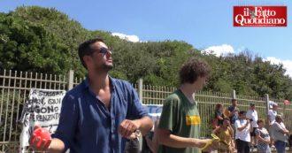 """Castel Volturno, gavettoni contro Salvini ma lui entra dal retro. """"Qui, non sarà mai il benvenuto"""""""