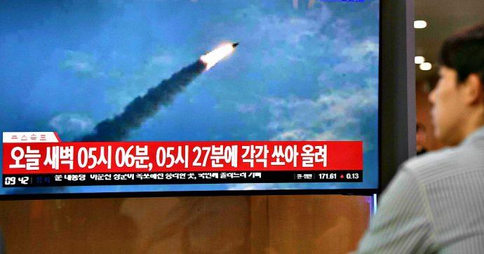 """Corea del Nord, nuovo lancio di due missili verso il mar del Giappone. Poi l'annuncio: """"Stop ai colloqui di pace con Seul"""""""