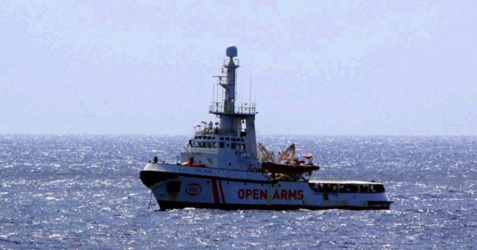 """Open Arms, gip: """"Italia era obbligata a indicare porto sicuro"""". Possibile omissione d'atti d'ufficio e sequestro di persona"""