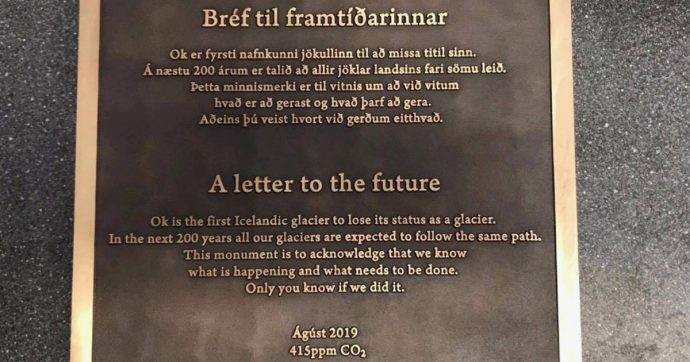 """Islanda, la lettera di addio al ghiacciaio: """"Non c'è più per colpa del riscaldamento globale. Nei prossimi 200 anni tutti faranno la stessa fine"""""""