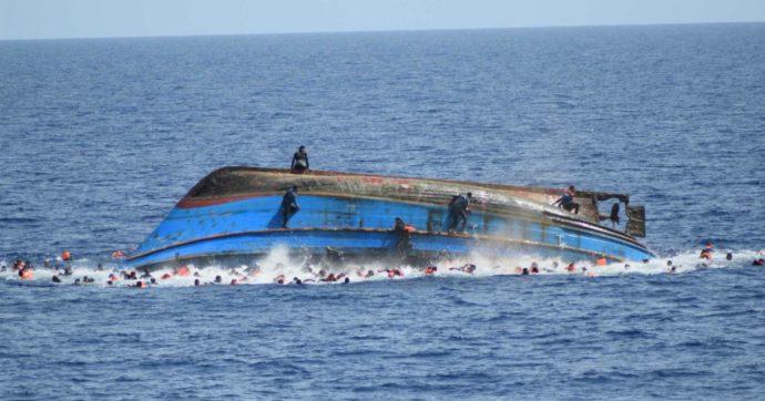 """Migranti, barcone con 53 persone si rovescia davanti alle coste tunisine: almeno 39 vittime. """"Soprattutto donne e bambini"""""""