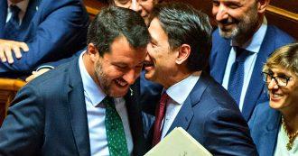 Crisi di governo, le foto della giornata in Senato: le comunicazioni di Conte, il discorso di Salvini e dei senatori, tra urla, applausi e cartelli