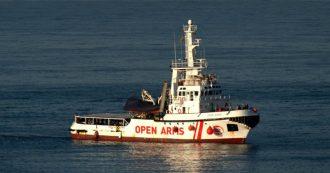 """Open Arms, gip convalida sequestro ma la nave può tornare in mare: """"Migranti trattenuti contro volontà, ma l'ong non è responsabile"""""""