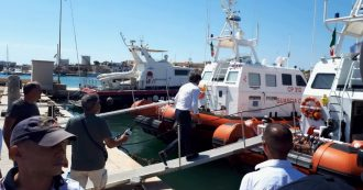 Open Arms, Procura sequestra nave e ordina l'evacuazione. I migranti sbarcano a Lampedusa dopo 19 giorni