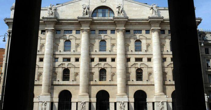 """Crisi di governo, tasso sui Btp scende ancora: spread a 200 punti. Citigroup: """"I mercati (per ora) celebrano il minor rischio Italia"""""""
